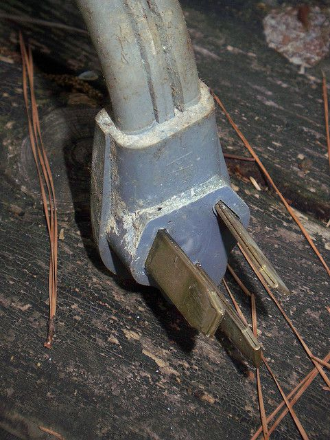 Corrosion and deposits that have accumulated on old sockets are the cause of increases in leakage currents. © Bill Shirley CC by-nc-nd 2.0