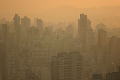 Sao Paolo, drowned in smog. © BuenosAiresPhotographer.com CC by-sa 2.0