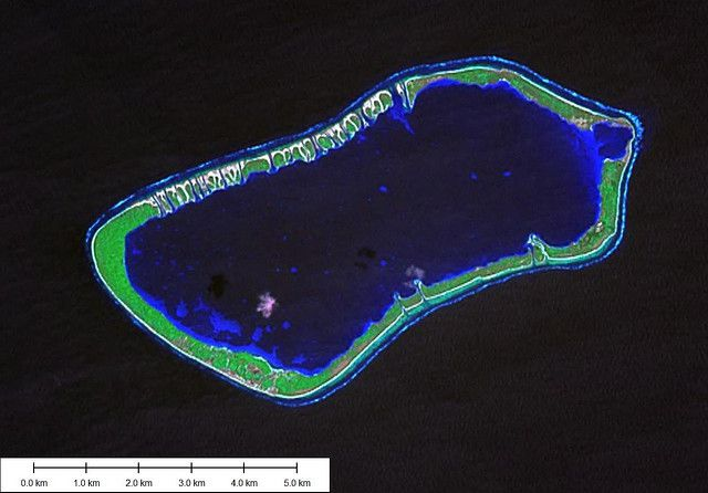 Lagging can cause lagoon waters to flood an atoll. © EVS-Islands CC by 2.0
