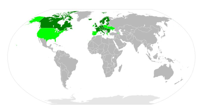 The countries concerned by the Aarhus Protocol in 2007. Countries that signed the protocol are shown in light green, countries that ratified the protocol are shown in dark green. © AndrewRT, Wikimedia CC by-sa 3.0
