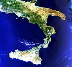Italy seen by the ENVISAT MERIS instrument