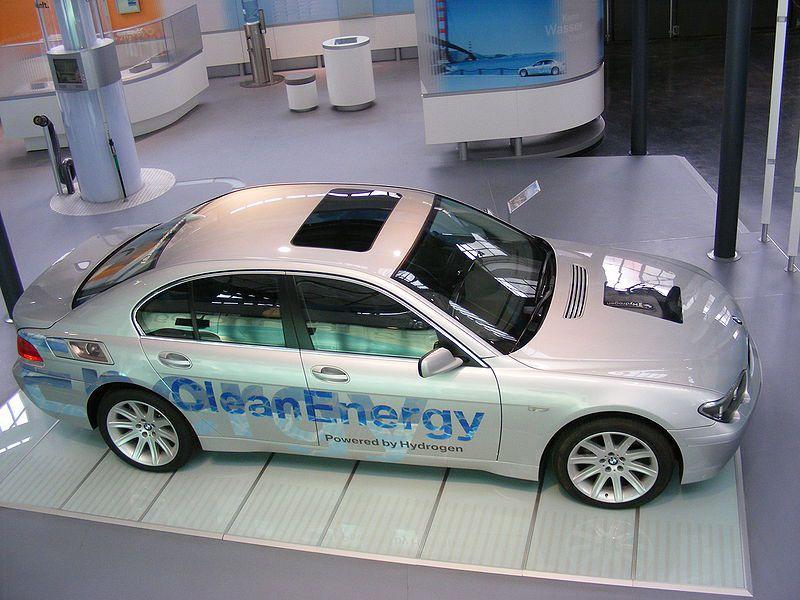 A BMW hydrogen vehicle. © Mattes, Wikimedia CC by-sa 3.0