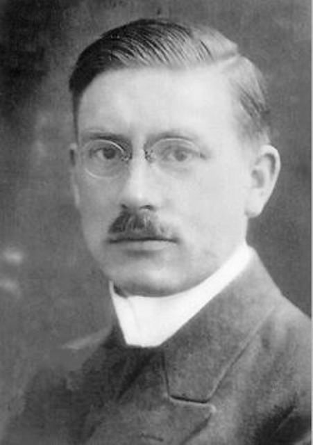 Peter Joseph Wilhelm Debye (Petrus Josephus Wilhelmus Debije born on 24 March 1884 in Maastricht - died 2 November 1966 in Ithaca, New York, United Staes) was a Dutch physicist and chemist. He won the Nobel prize for chemistry in 1936 and is well known for his extensive work on dipole moments. © Wikipedia, public domain