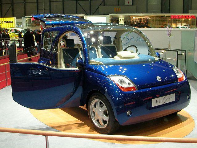 The 3-door / 3-seater model of the Blue Car. © Karoly Lorentey CC 2.0