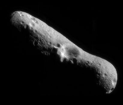 One of the first images of Eros by the NEAR-Shoemaker probe a few moments after putting itself in orbit around the asteroid on 14 February 2000.
