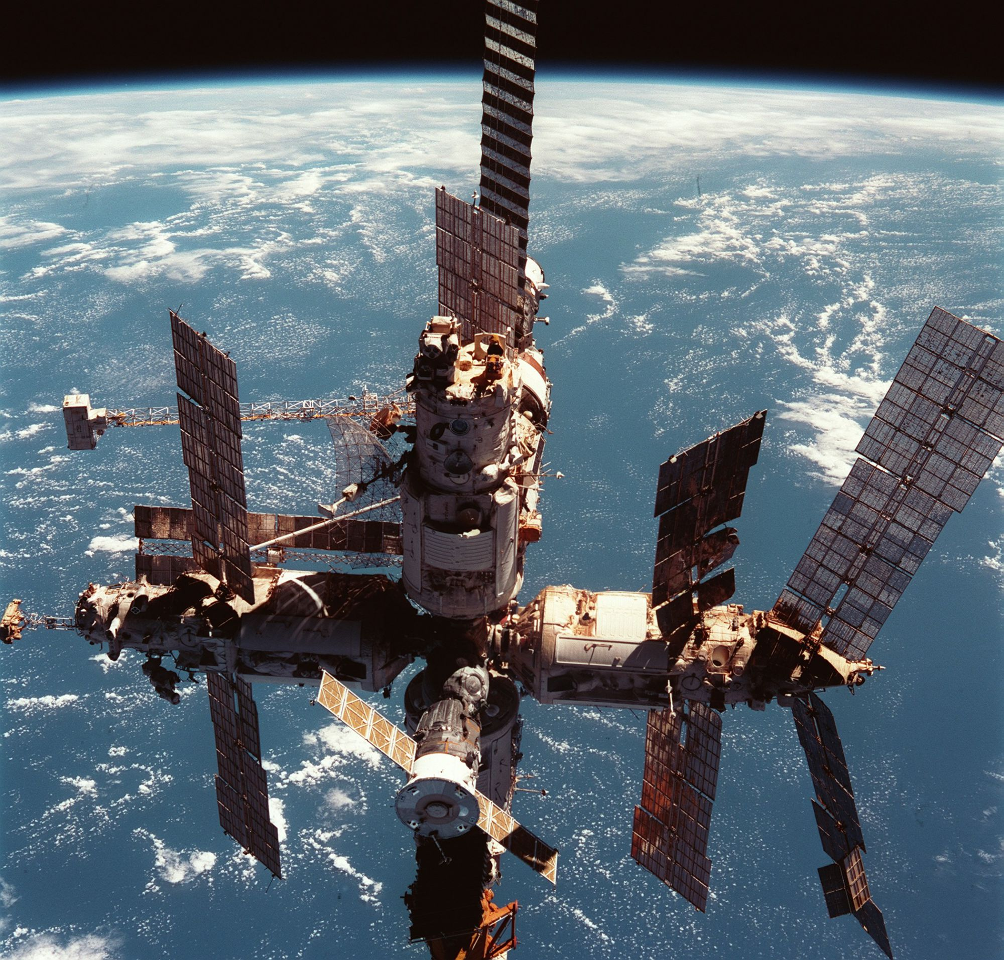 The Mir station photographed from an American shuttle in 1998. Credit NASA