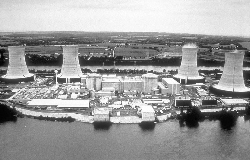 The Three Mile Island nuclear power plant, the site of the worst nuclear accident in the United States in 1979. © Centers for Disease Control and Prevention Public Health Image Library, public domain