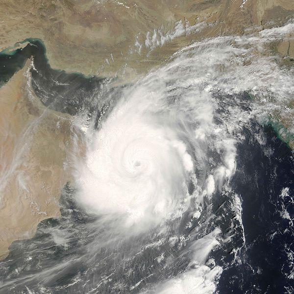 Vertical wind shear weakens cyclones. © Nasa