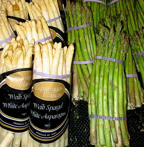 There are white, green and violet forms of asparagus. © Wikimedia Commons
