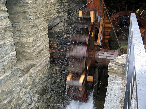 The wheel of this mill provided energy for the Farga Rossell ironworks (Andorra) during the second half of the 19th century. © Raymond355 CC by 2.0