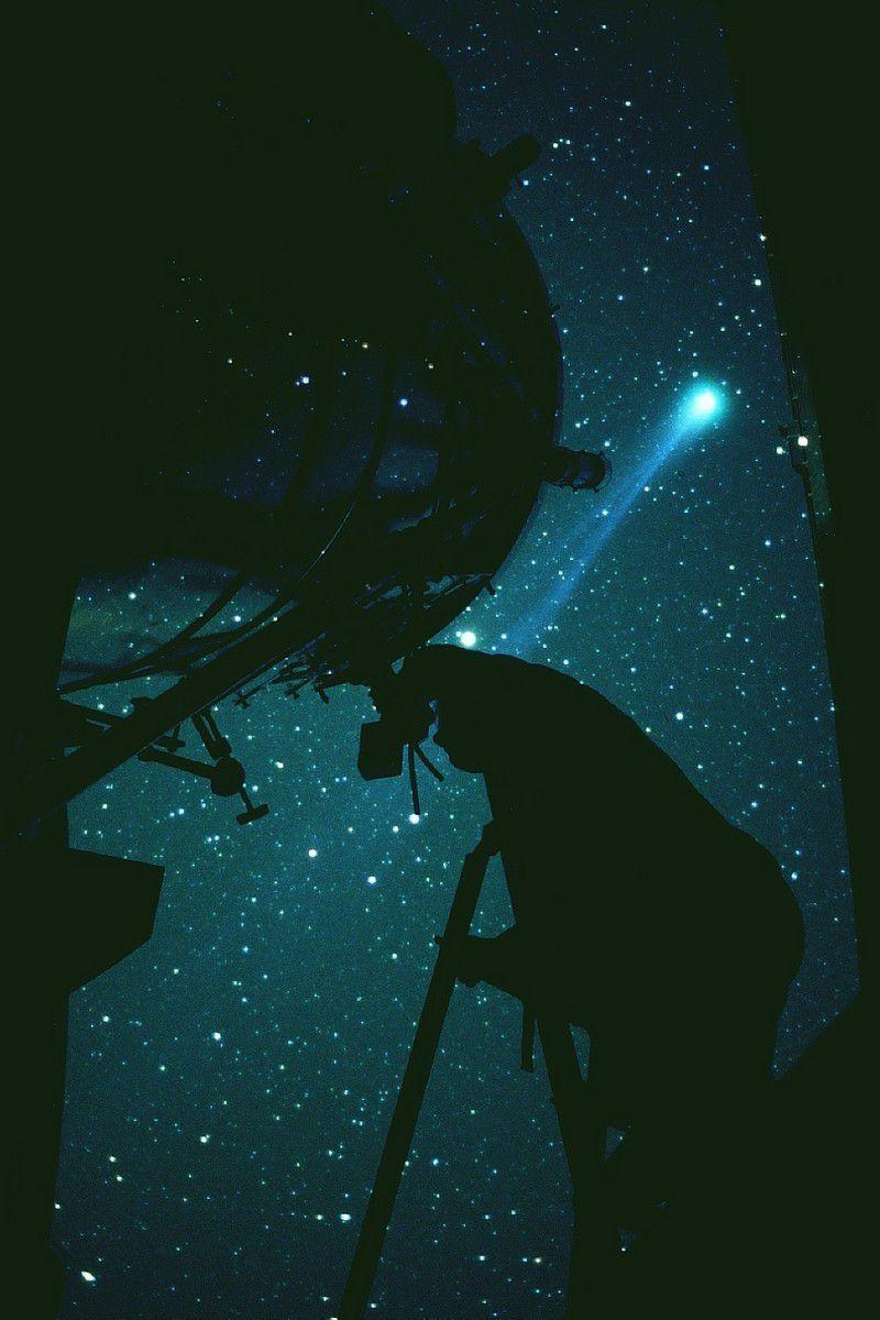 Hyakutake's comet in the spring of 1996. Credit J-B Feldmann