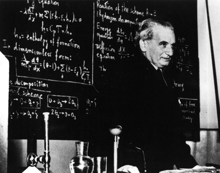 Theodore von Kármán, teaching at Caltech. © Public domain - Wikipedia