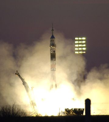 Launch of the Eneide mission to the ISS from Baikonour