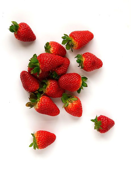 Strawberries are eaten from the end of spring. © Wikimedia Commons
