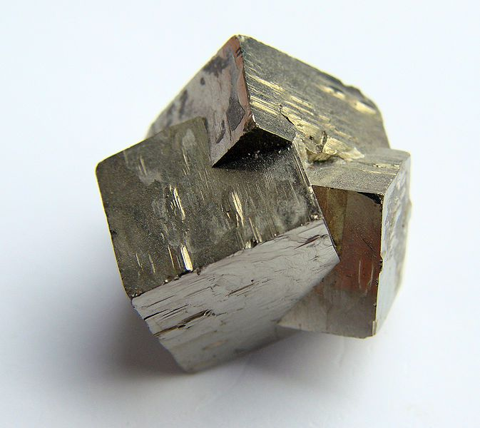 Polysynthetic pyrites. © Vassil, Wikipedia DP