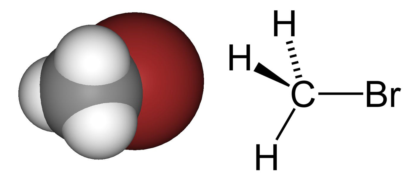 Methyl bromide contains one carbon atom (grey), three hydrogen atoms (white) and one bromine atom (red). © DR