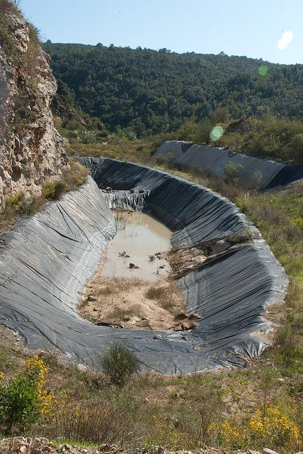 A drain for collecting leachate in the La Roque waste deposit centre, near Nice, France. © nonaladechargedelaroque CC by 2.0