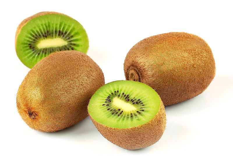 Kiwi contains more vitamin C than citrus fruit. © Wikimedia Commons